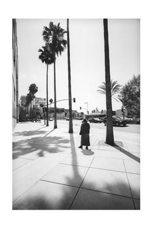 Los Angelas Miricle Mile Walker 2 by Henri Silberman
