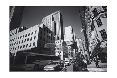 Manhattan, Fifth Avenue Afternoon by Henri Silberman