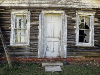 Old Log Cabin, Exterior 4 (Pittsboro, NC) by Henri Silberman