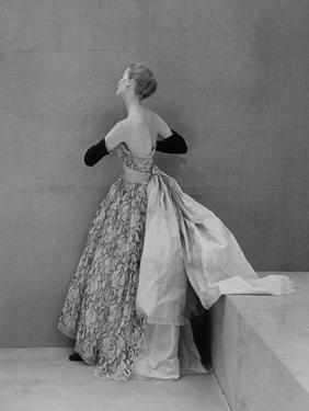 Vogue - October 1951 by Henry Clarke