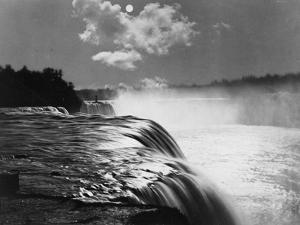 Niagara Light by Henry Guttmann