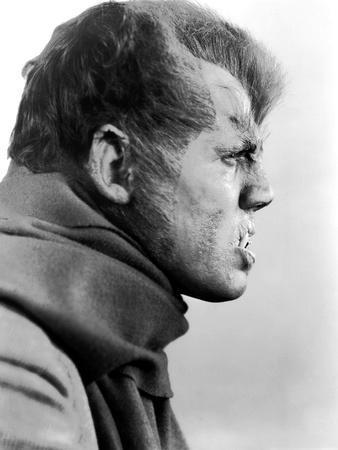 https://imgc.allpostersimages.com/img/posters/henry-hull-werewolf-of-london-1935-directed-by-stuart-walker-b-w-photo_u-L-Q1C3DAG0.jpg?artPerspective=n