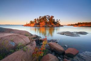 Georgian Bay Sunrise by Henry@scenicfoto.com