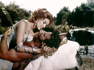 Hercule and la reine by Lydie Hercules Unchained (Ercole e la regina di Lidia ) by PietroFrancisci