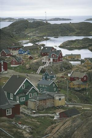 https://imgc.allpostersimages.com/img/posters/high-angle-view-of-dwellings-on-fjords-sisimiut-greenland_u-L-PW2UNE0.jpg?p=0