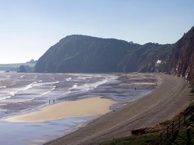 https://imgc.allpostersimages.com/img/posters/high-peak-and-sidmouth-beach-devon-england-united-kingdom-europe_u-L-PFNIQL0.jpg?p=0