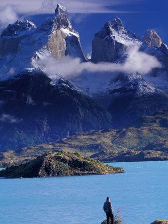 https://imgc.allpostersimages.com/img/posters/hiker-and-cuernos-del-paine-torres-del-paine-national-park-chile_u-L-P2OVMW0.jpg?p=0