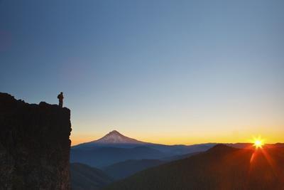 https://imgc.allpostersimages.com/img/posters/hiker-watching-sunrise-over-mt-hood-mt-hood-national-forest-oregon_u-L-PZO1FT0.jpg?p=0