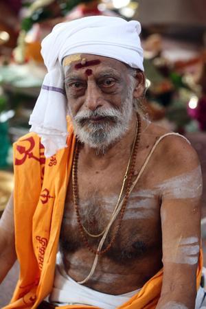 https://imgc.allpostersimages.com/img/posters/hindu-brahmin-priest-sri-vadapathira-kaliamman-hindu-temple-singapore_u-L-Q1GYHY20.jpg?artPerspective=n