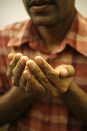 https://imgc.allpostersimages.com/img/posters/hindu-prayer-in-a-sri-lankan-temple-france_u-L-Q1GYKBN0.jpg?artPerspective=n