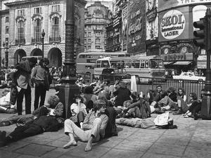 Hippies, Piccadilly 1969