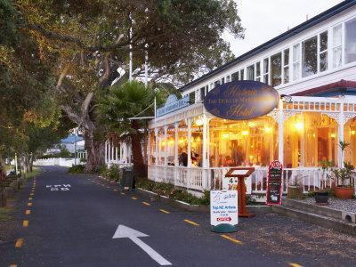 https://imgc.allpostersimages.com/img/posters/historic-duke-of-marlborough-hotel-russell-bay-of-islands-northland-new-zealand_u-L-P2TAA60.jpg?p=0