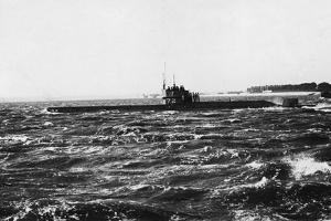 HMS D2 Leaving Portsmouth Harbour