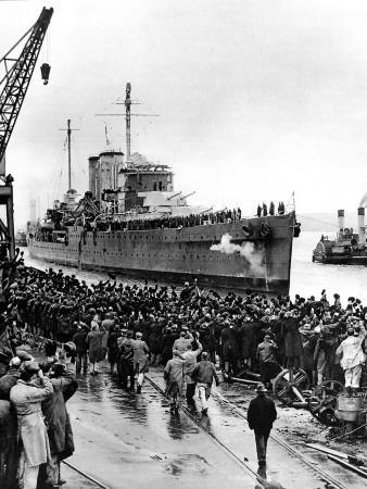 https://imgc.allpostersimages.com/img/posters/hms-exeter-arriving-at-plymouth-second-world-war-1940_u-L-Q108DKL0.jpg?p=0