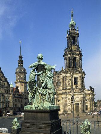 https://imgc.allpostersimages.com/img/posters/hofkirche-dresden-saxony-germany-europe_u-L-P7XCB00.jpg?artPerspective=n