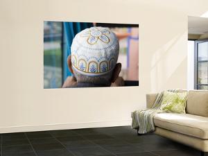 Man Wearing Arabic Cap by Holger Leue