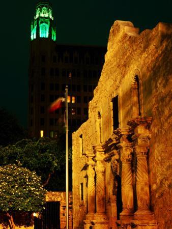 The Alamo, San Antonio, Texas by Holger Leue