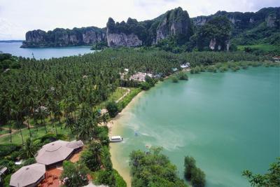 https://imgc.allpostersimages.com/img/posters/holiday-resort-at-rai-leh-bay-krabi-thailand_u-L-PNFR5W0.jpg?artPerspective=n