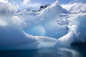 Antarctica, Paradise Bay, iceberg by Hollice Looney