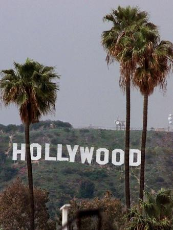 https://imgc.allpostersimages.com/img/posters/hollywood-sign_u-L-Q10P3NK0.jpg?artPerspective=n