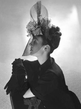 Vogue - June 1939 by Horst P. Horst