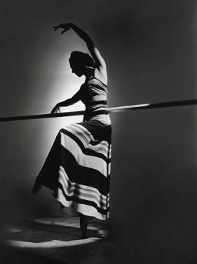 Vogue - May 1940 by Horst P. Horst
