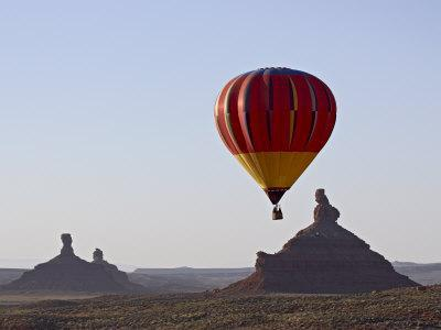 https://imgc.allpostersimages.com/img/posters/hot-air-balloon-and-rock-formations-at-dawn-valley-of-the-gods-utah-usa_u-L-P7NMLC0.jpg?p=0