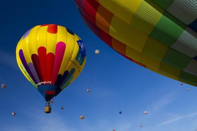 https://imgc.allpostersimages.com/img/posters/hot-air-balloons-albuquerque-balloon-fiesta-new-mexico-usa_u-L-PN6PYV0.jpg?p=0