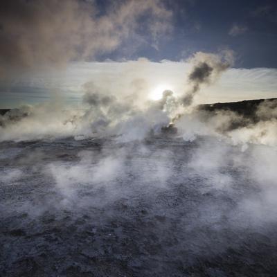https://imgc.allpostersimages.com/img/posters/hot-springs-geothermal-close-gunnuhver-island-reykjanes-headland-iceland_u-L-Q11YPRA0.jpg?p=0
