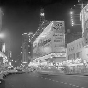 Hotel Astor and Theater in times Square