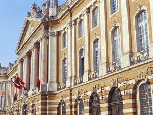 Hotel De Ville (Town Hall), Le Capitole, Town of Toulouse, Haute-Garonne, Midi-Pyrenees, France
