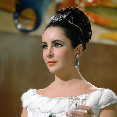 https://imgc.allpostersimages.com/img/posters/hotel-international-the-v-i-p-s-d-anthony-asquith-with-elizabeth-taylor-1963_u-L-Q1C496D0.jpg?artPerspective=n