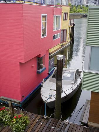 https://imgc.allpostersimages.com/img/posters/houseboats-on-granville-island-vancouver-british-columbia-canada-north-america_u-L-PFNU3N0.jpg?p=0