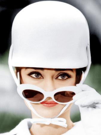 https://imgc.allpostersimages.com/img/posters/how-to-steal-a-million-audrey-hepburn-1966_u-L-PJXQU10.jpg?artPerspective=n