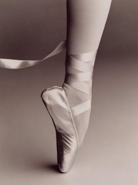 Black and White Image of Ballerina on Point by Howard Sokol