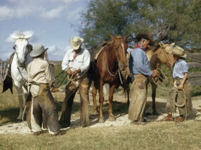 Cowboys Teach Sons of Ranch Hands How to Knot and Handle Rope