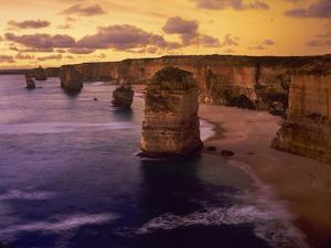 Sunset at 12 Apostles, Port Campbell NP, Victoria, Australia by Howie Garber