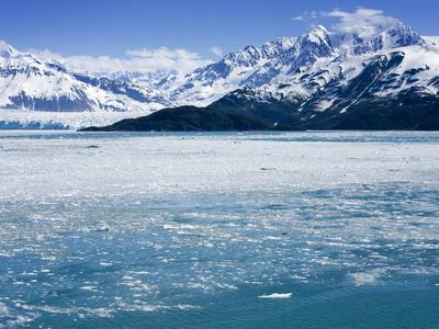 https://imgc.allpostersimages.com/img/posters/hubbard-glacier-in-yakutat-bay-gulf-of-alaska-southeast-alaska-usa_u-L-PFNMS40.jpg?artPerspective=n
