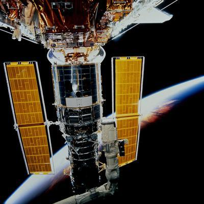 https://imgc.allpostersimages.com/img/posters/hubble-space-telescope_u-L-PJ3CR50.jpg?artPerspective=n