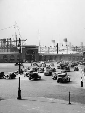 Intersection of West 54Th St. & 12Th Ave. by Hulton Archive
