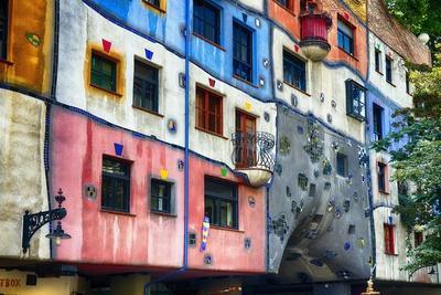 https://imgc.allpostersimages.com/img/posters/hundertwasser-house-vienna-austria_u-L-Q1AS7J60.jpg?p=0