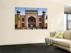 South Entrance to Taj Mahal by Huw Jones