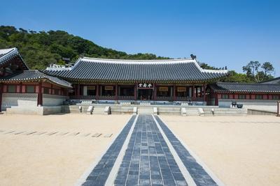 https://imgc.allpostersimages.com/img/posters/hwaseong-haenggung-palace-unesco-world-heritage-site-fortress-of-suwon-south-korea-asia_u-L-PQ8SEZ0.jpg?p=0