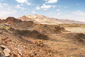 Rocks of Rub' Al Khali, UAE by Hydromet