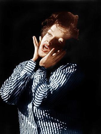 https://imgc.allpostersimages.com/img/posters/i-could-go-on-singing-judy-garland-1963_u-L-PJXV6J0.jpg?artPerspective=n