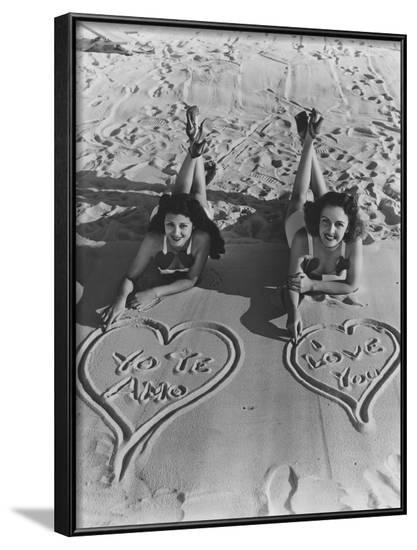 I Love You in English and Spanish--Framed Photo