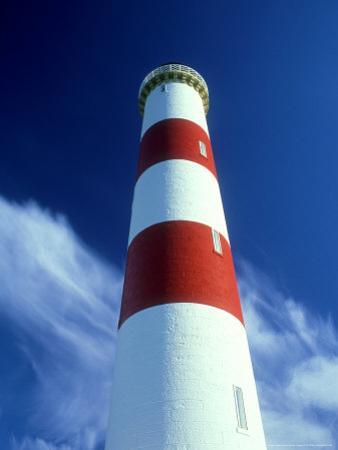 Tarbat Ness Lighthouse, Scotland by Iain Sarjeant