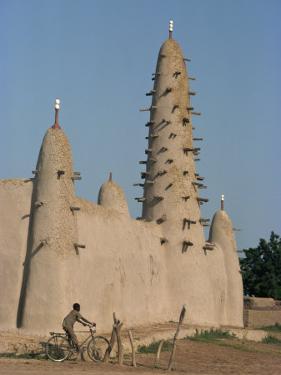 Mud Built Minaret and Mosque, Koupela, Burkina Faso, Africa by Ian Griffiths