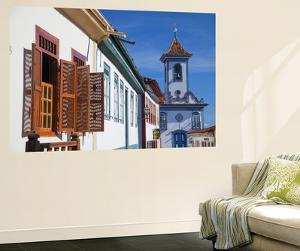 Colonial Architecture and Church of Amparo, Diamantina (Unesco World Heritage Site), Minas Gerais by Ian Trower