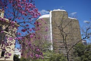 Niemeyer Building, Belo Horizonte, Minas Gerais, Brazil, South America by Ian Trower